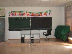 首页 初中教室布置  中学音乐教室布置图片 最后更新:2015-07-24 初中图片