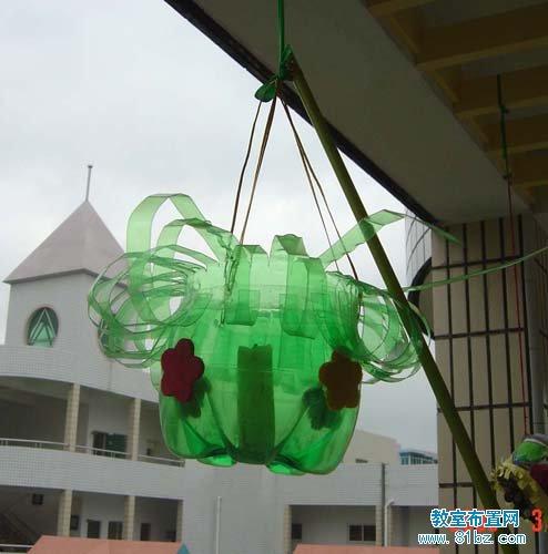 幼儿园走廊吊饰图片:塑料花盆