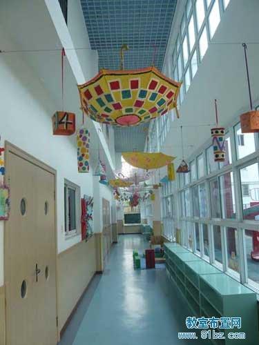 幼儿园走廊吊饰布置图片:雨伞吊饰