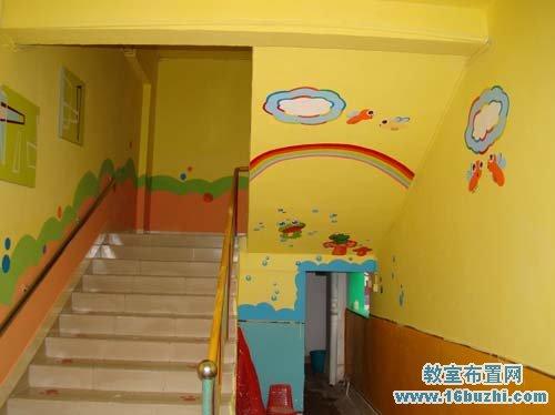 黄色格调的幼儿园楼道墙面彩绘